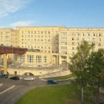 Правительство меняет адрес... на больницу