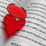 Музыка поможет возбудить спящую девушку